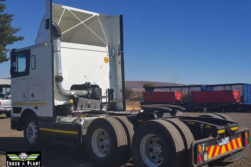 International Double axle International 9800i Pro Sleeper Truck-Tractor
