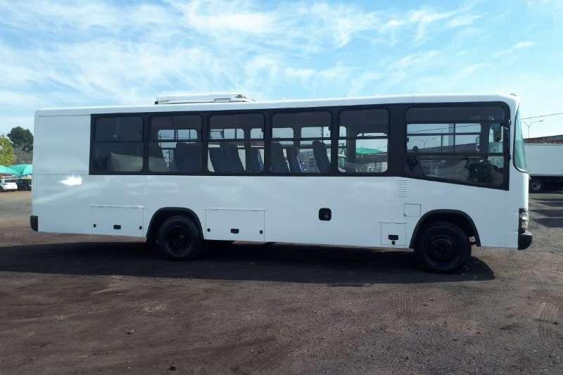 Isuzu 26 seater ISUZU NQR500 BUS 25 SEATER Buses