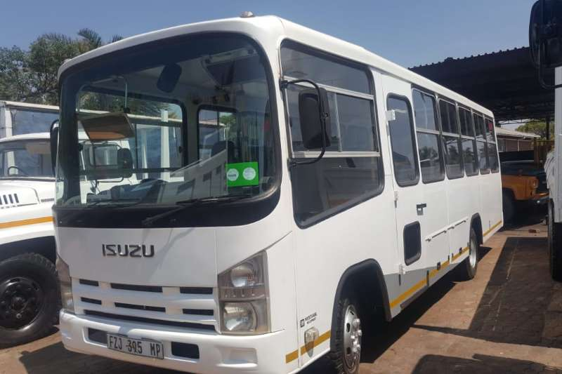 Isuzu Isuzu bus 34 Seater,