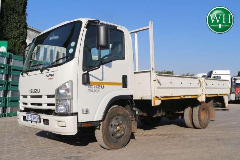 Isuzu NPR300 F/C C/C AMT Truck