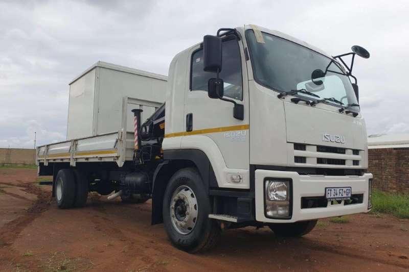 Isuzu Dropside FTR 850 Manual with 7,2m Dropside & HIAB 8t Crane Truck