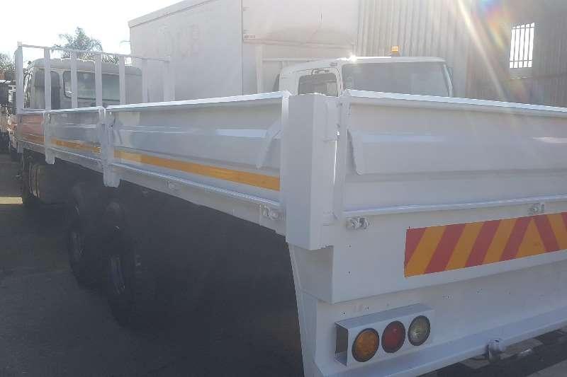 Isuzu Dropside FVZ1400 Truck