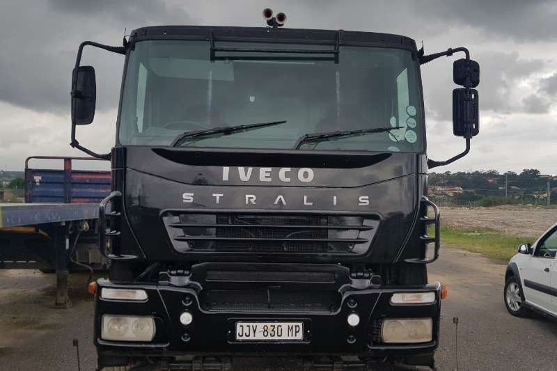 Iveco Chassis cab STRALIS 400 Truck