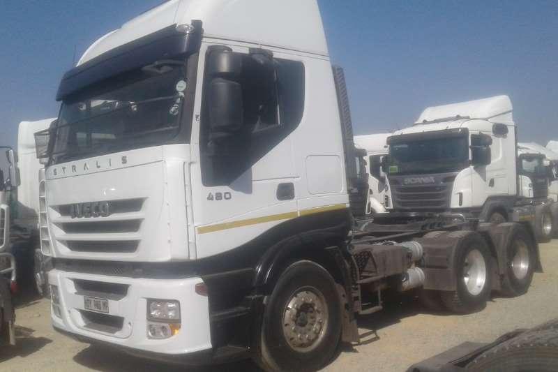 Iveco Double axle EUROTRAKKER 420 Truck-Tractor
