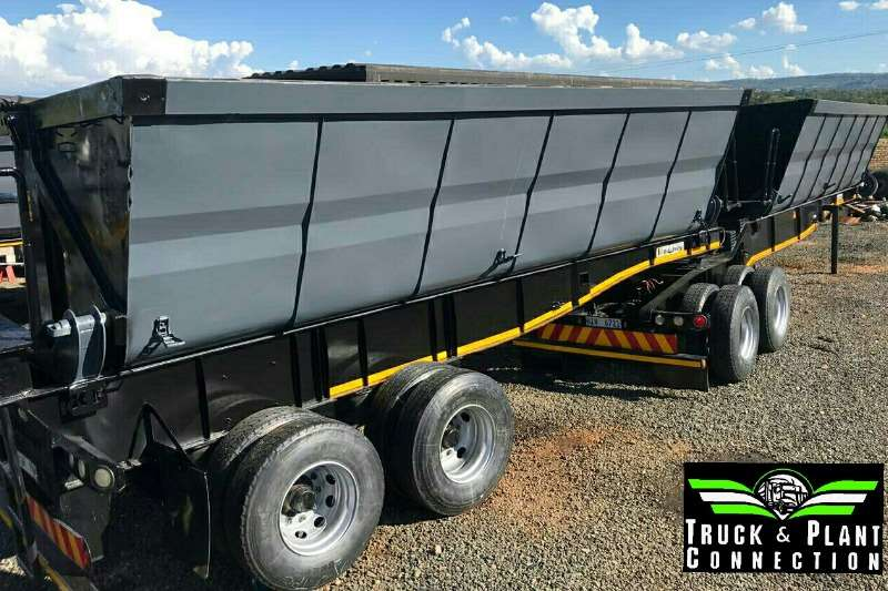Kearneys Payloader Side Tipper