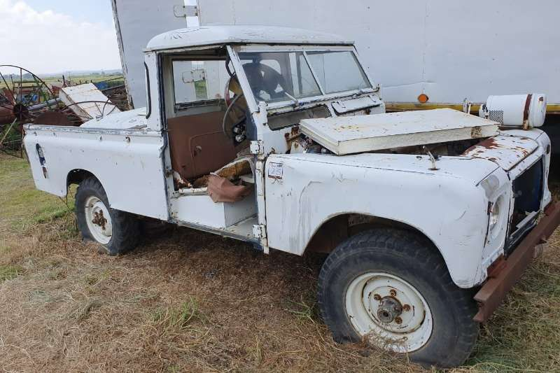 LAND ROVER (FOR SPARES)
