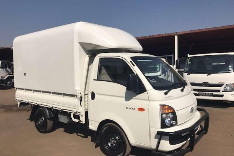 LDVs & Panel Vans Hyundai HYUNDAI H100 2.6D WITH SPACE SAVER CANOPY LIKE NEW 2015