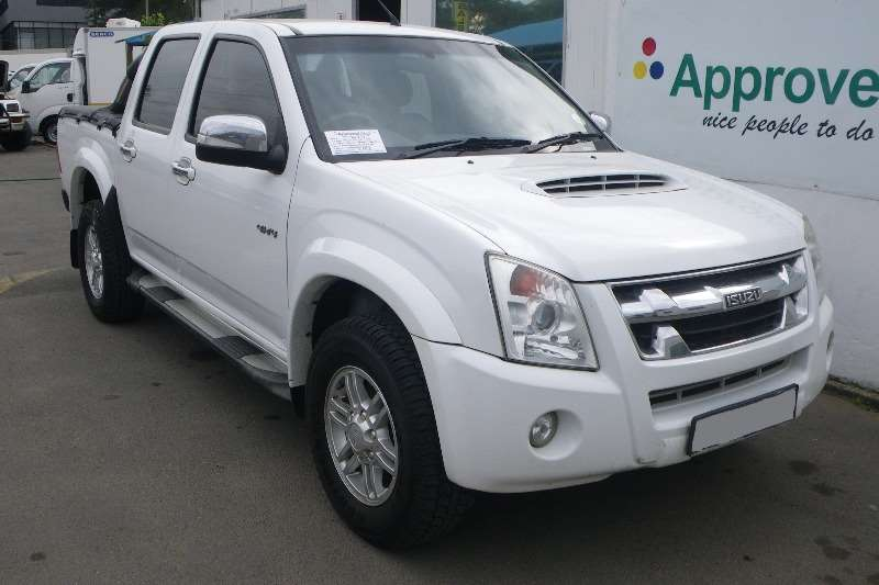 Isuzu KB300 D Teq 4x4 used double cab LDVs & panel vans