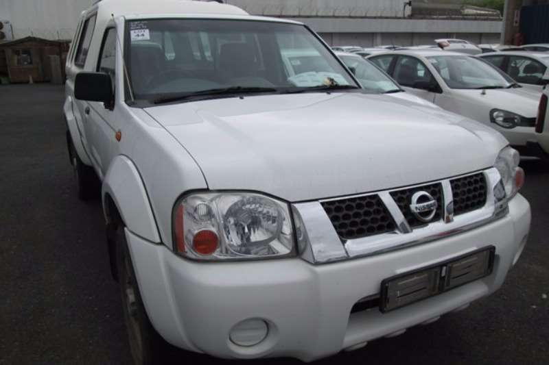 LDVs & Panel Vans Nissan Nissan NP300 2.4 High Rider LWB Bakkie 2011