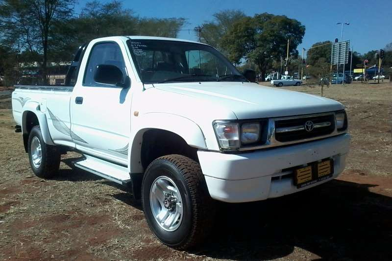 LDVs & Panel Vans Toyota Hilux 2700i 4x4 Single cab 2001