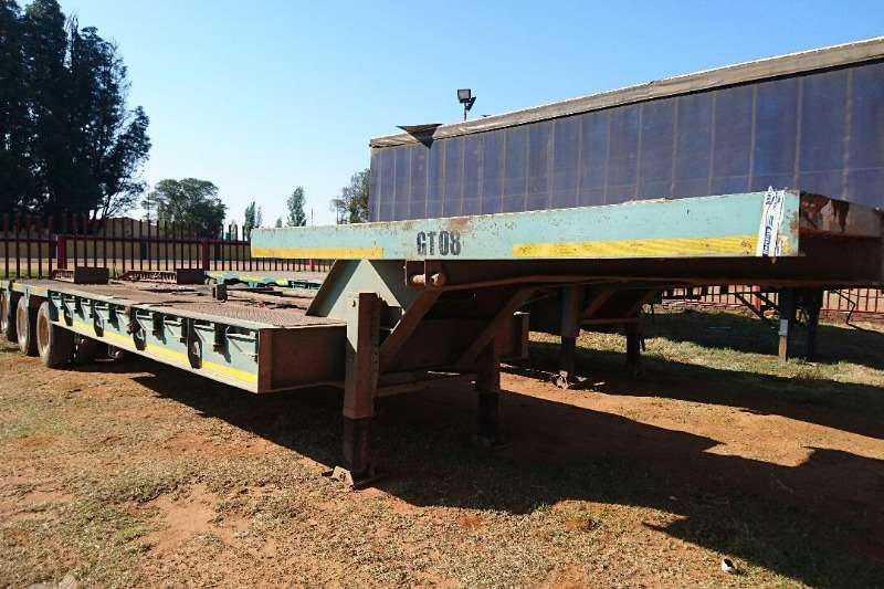 Lowbeds Martin Used 36 Ton Stepdeck Tri Axle Trailer Available 2005
