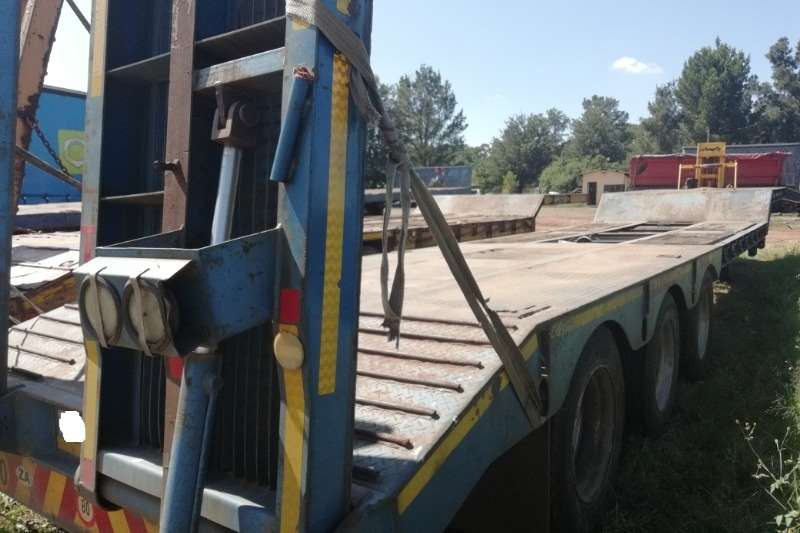 Martin Used 42 Ton Tri Axle Stepdeck Lowbed Available Lowbeds