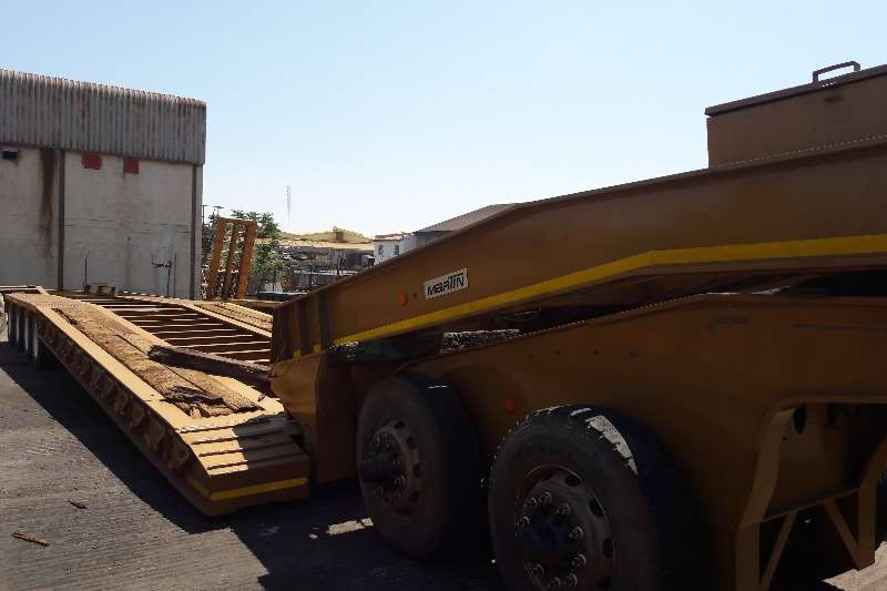 Lowbeds Martin Used 75 Ton 4 Axle Clipneck Lowbed Available 2007