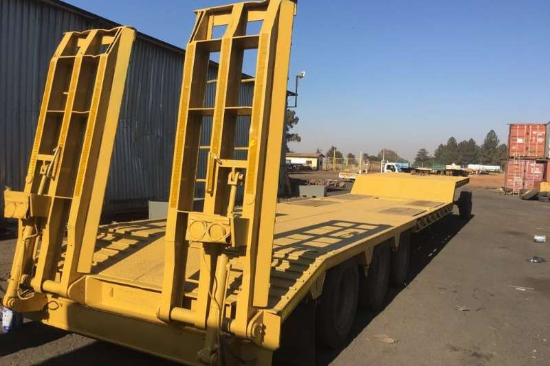 Lowbeds Martin Used Tri Axle 40 Ton Stepdeck Lowbed Avialable 2013