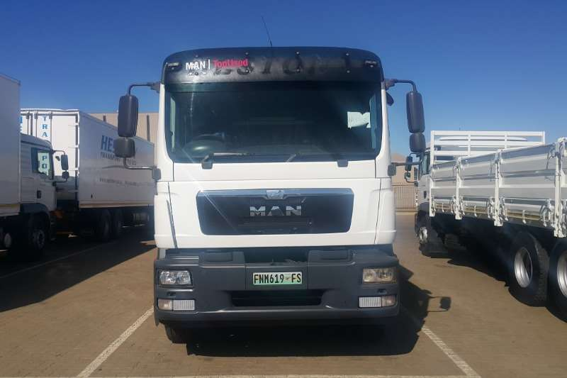 MAN Cattle body TGS 25 280 with Cattle Body Truck