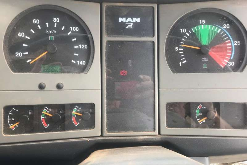 MAN CLA 26 280 Truck