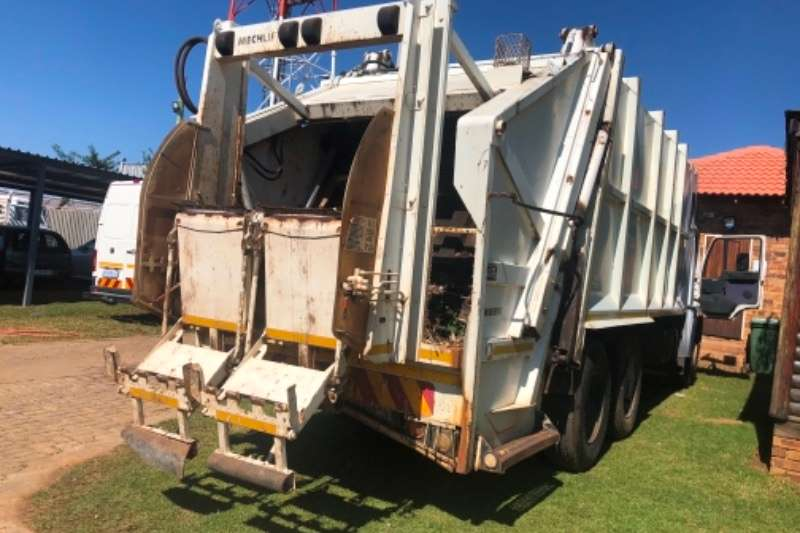 MAN Compactor MAN 26.280 DOUBLE DIFF 61000KMS R479000 Truck