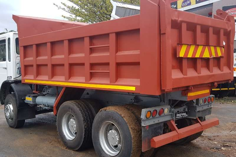 MAN Tipper F2000 30.321 Truck