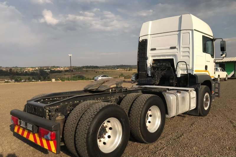 MAN Double axle MAN TGA 26 480 Truck-Tractor