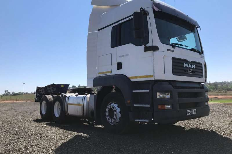 MAN Double axle MAN TGA26 400 Truck-Tractor