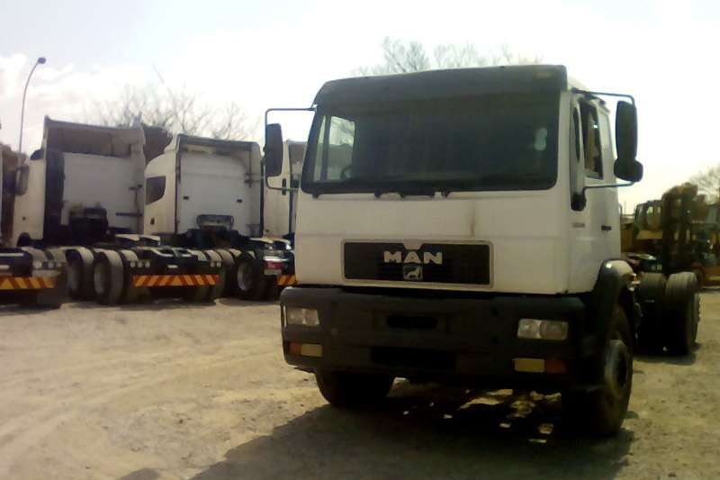 MAN Double axle TGA 18 360 4x2 Truck-Tractor