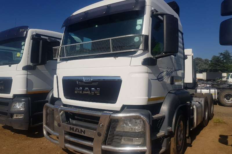MAN Truck-Tractor Double Axle TGS 26 480 2015