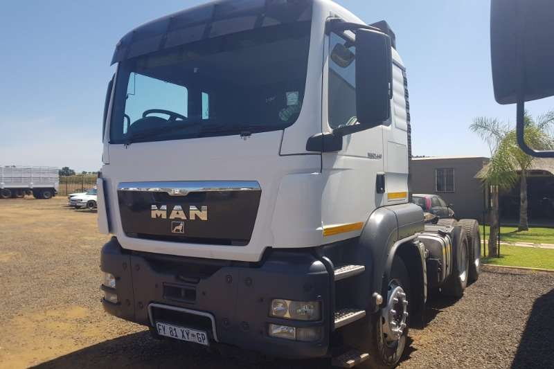 MAN Truck-Tractor Double Axle TGS 27.440 2013
