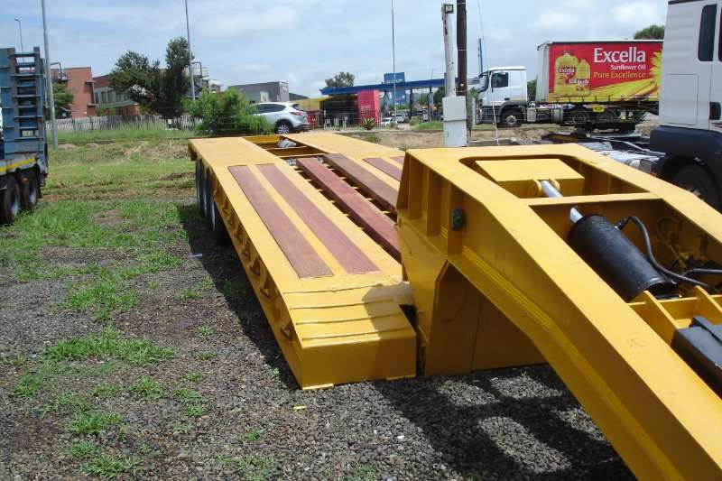 Martin CLIP OFF NECK ,3 AXLE, LOWBED Lowbeds
