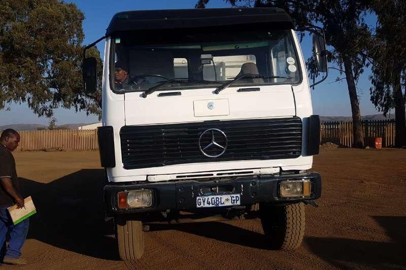 Mercedes Benz 2225 Twin Steer