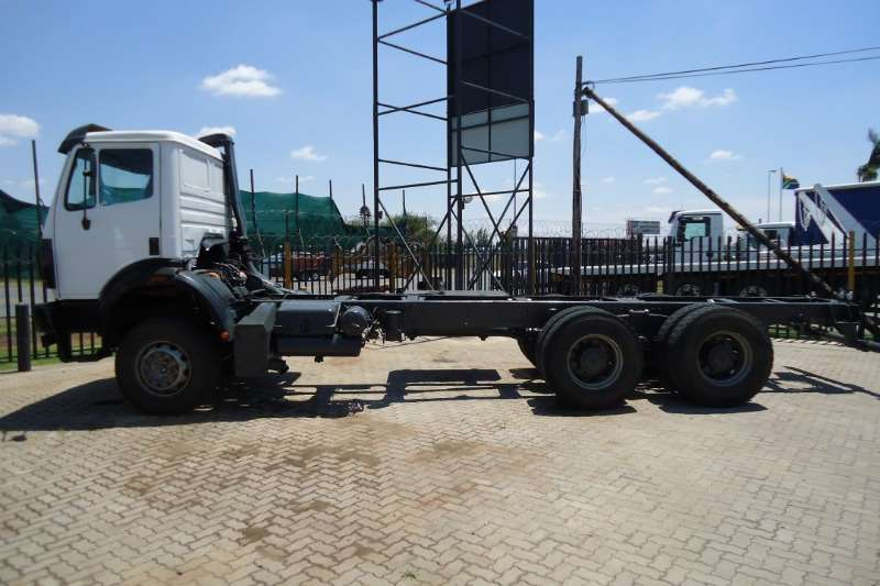 Mercedes Benz 25.38 POWERLINER CHASSIS CAB