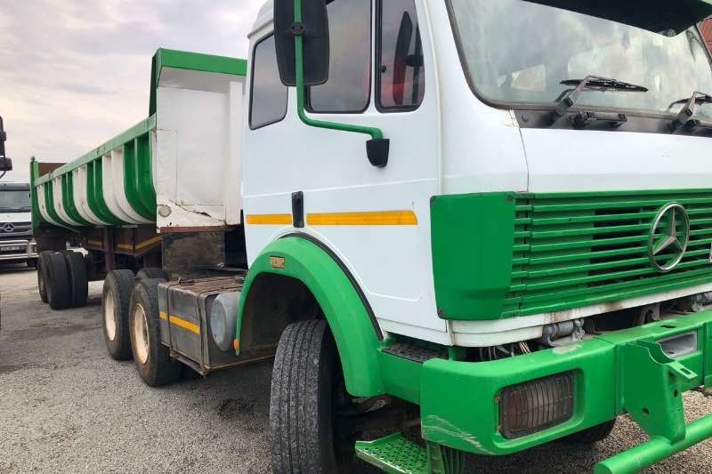 Mercedes Benz Powerliner 26-35  with 22m Copelyn