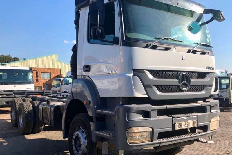 Mercedes Benz Chassis cab Axor 3340 Truck