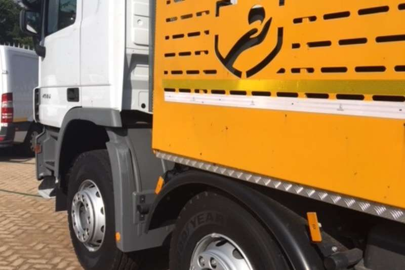 Mercedes Benz Crane truck ACTROS 4441 8X4 TWINSTEER Truck