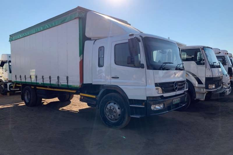 Mercedes Benz Curtain side ATEGO 1518 Truck