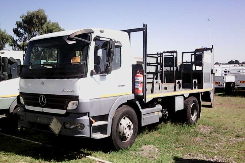 Wspaniały 2006 Mercedes Benz Atego 1317 Hazchem Spec with Tail Lift Other YI03