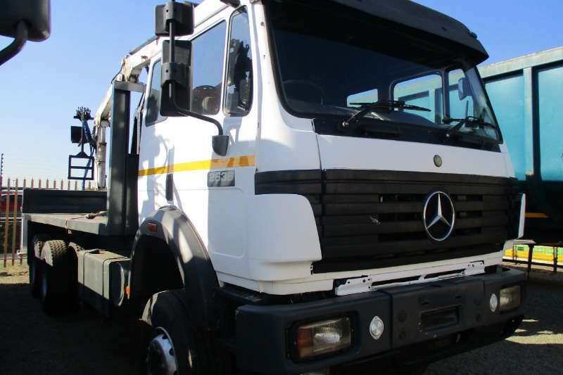 Mercedes Benz Truck Powerliner 26-38 Crane Truck 1996