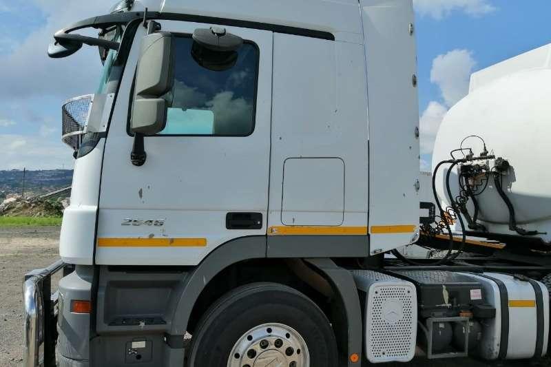 Mercedes Benz Double axle 2646 ACTROS Truck-Tractor