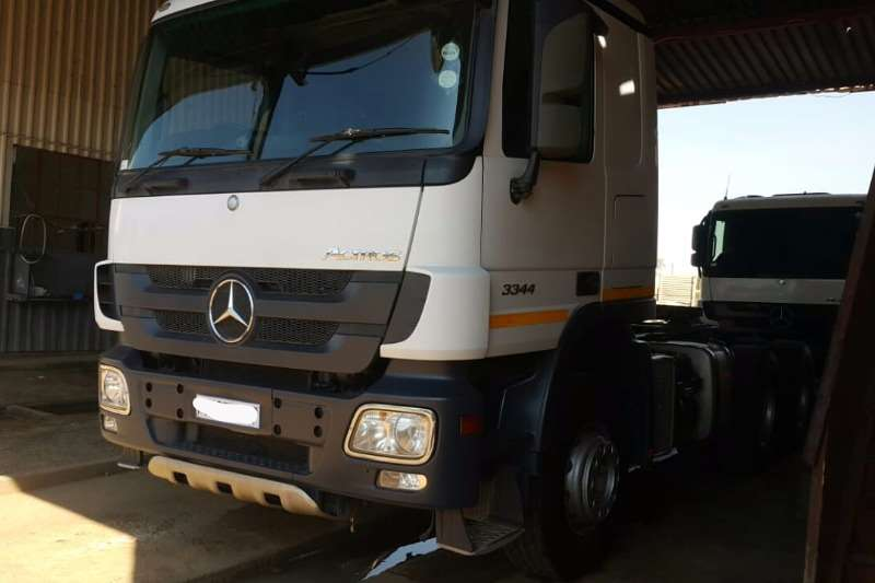 Mercedes Benz Double axle 3344 Truck-Tractor