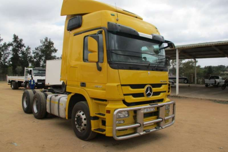 Mercedes Benz Double axle M/BENZ ACTROS 2644 6X4 MECHANICAL HORSE Truck-Tractor