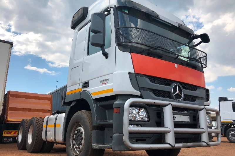 Mercedes Benz Double axle MERCEDES BENZ 2644 ACTROS Truck-Tractor