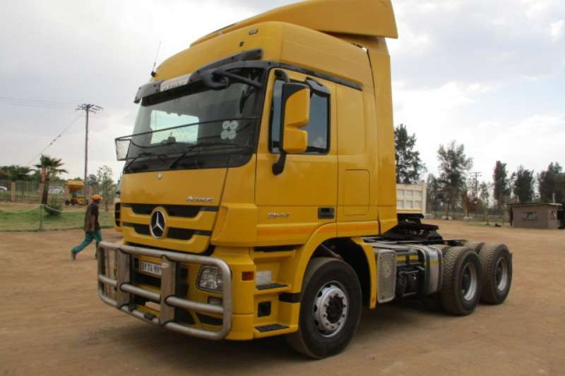 Mercedes Benz Truck-Tractor Double Axle MERCEDES BENZ ACTROS 2644 6X4 MECHANICAL HORSE 2012