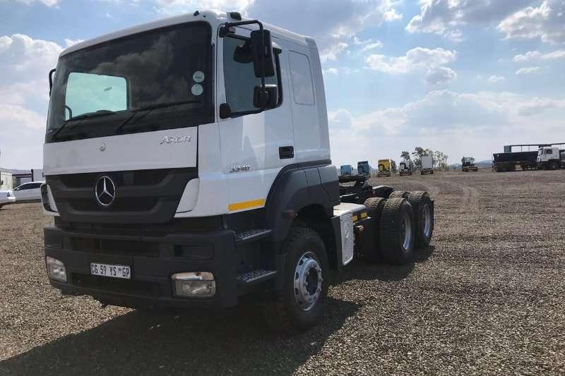 Mercedes Benz Double axle Mercedes Benz Axor 3340 Truck-Tractor