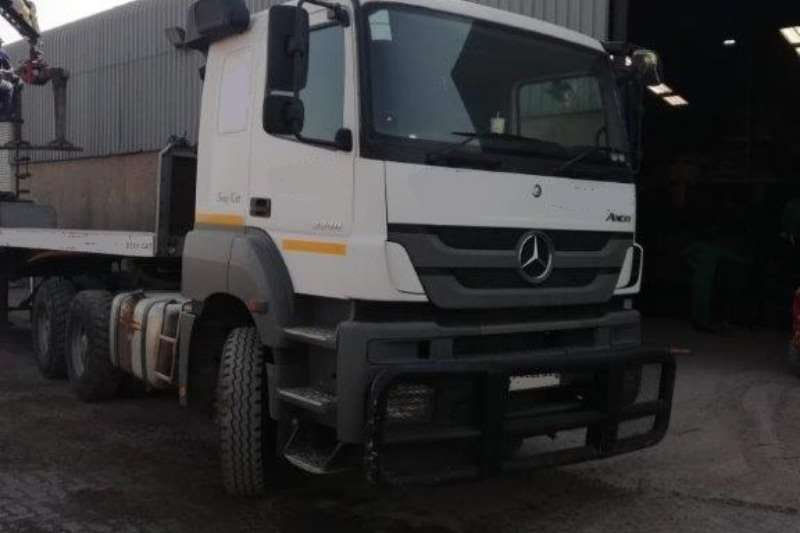 Mercedes Benz Double axle Mercedes Benz Axor 3340 Truck-Tractor