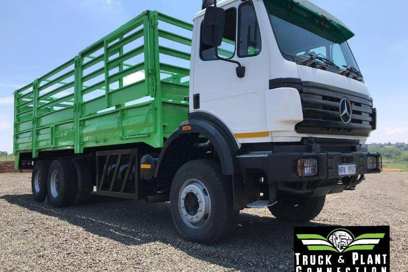 Mercedes Benz Double axle Mercedes Benz Powerliner Truck-Tractor