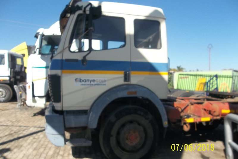 Mercedes Benz Single axle 1726 Truck-Tractor