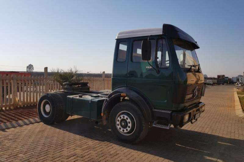 Mercedes Benz Single axle 1928 V SERIES Truck-Tractor