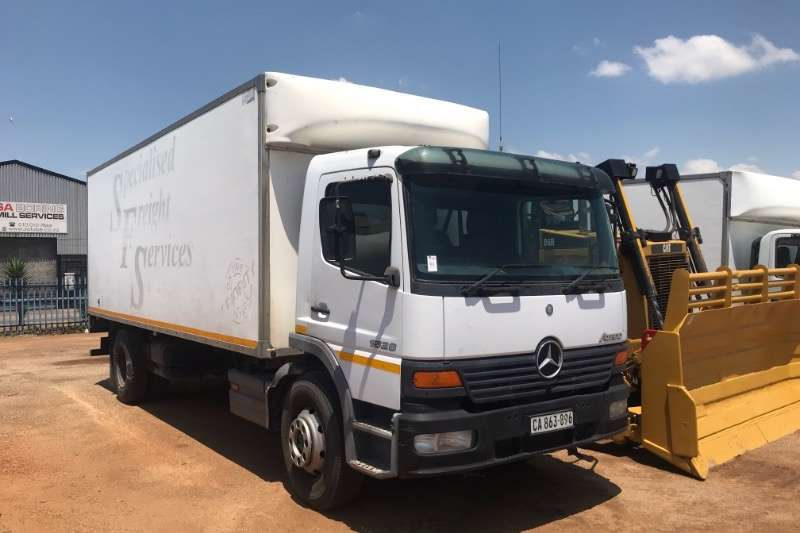 Mercedes Benz Volume body ATEGO 1528 Truck
