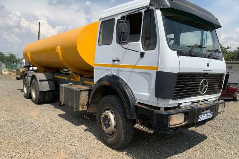 Mercedes Benz Water tanker 1991 MBenz 2637  18000L double axle Water Tanker Truck