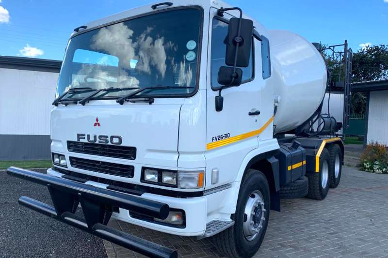 Mitsubishi Concrete mixer Fuso FV26 310 Truck