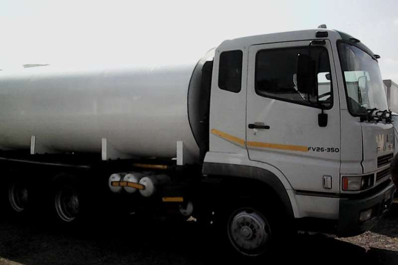 Mitsubishi Water tanker Fuso FV 26 350 16000L Water Tanker Truck
